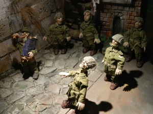 Doll depiction of the 1967 recapture of the Kotel