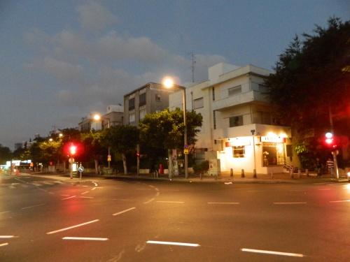 Daybreak at a random street corner