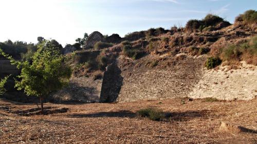 Crusader moat wall