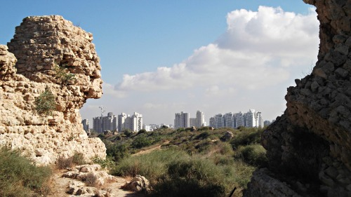 Modern Ashkelon through the ruins of ancient Ashkelon