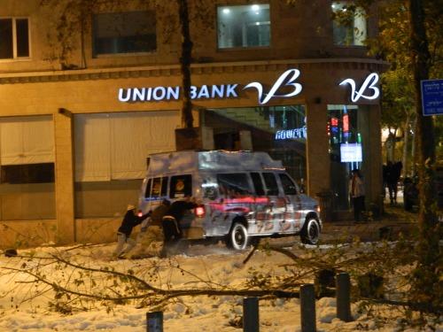 Breslov ''Na Nachs'' having car trouble
