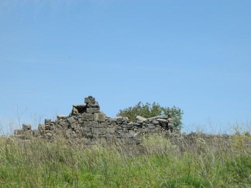 Deir Qeruh ruins