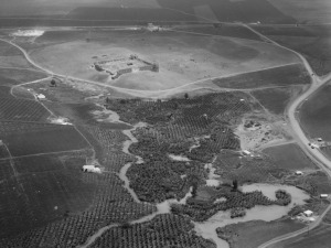 The Yarkon springs with Tel Afeq from the early to mid-1900's (photo: Library of Congress)