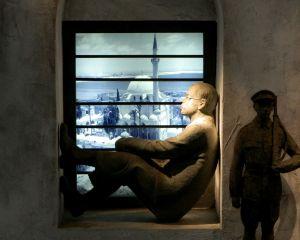 Ze'ev Jabotinsky sitting in prison