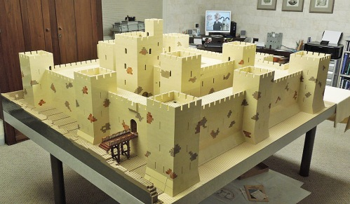 Lego reconstruction of Belvoir (photo Bob Carney)