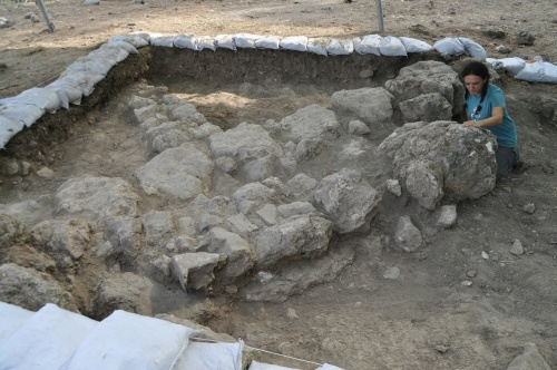 A square similar to the one I worked in (photo Khirbet Arai Expedition)