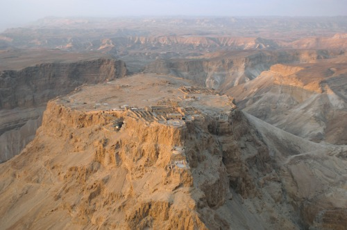 Aerial view of Masada from the north (photo Wikipedia)
