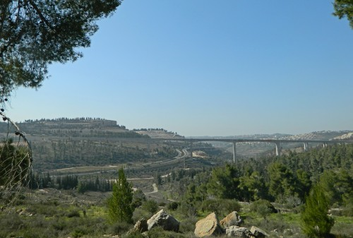 New rail bridge entering Jerusalem
