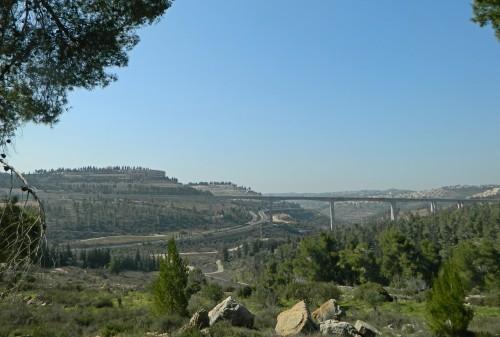 New rail bridge entering Jerusalem